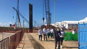 Coatzacoalcos, Ver., 5 de junio de 2020.- El presidente de la República, Andrés Manuel López Obrador, arribó al recinto portuario de la Laguna de Pajaritos para supervisar la ampliación del Puerto de Coatzacoalcos; estuvo acompañado del gobernador Cuitláhuac García.