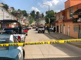 """Xalapa, Ver., 1° de julio de 2020.- Unas 5 horas después del asalto a la joyería en el Pasaje """"Enríquez"""", fuerzas de seguridad dieron con los presuntos ladrones en la colonia Veracruz, donde se observó gran despliegue de policías."""