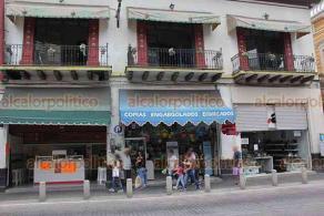 Xalapa, Ver., 2 de julio de 2020.- Como no hubo ninguna protesta violenta, el Centro de la capital comenzó a reactivarse la tarde de este jueves.