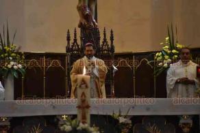 Xalapa, Ver., 6 de julio de 2020.- El arzobispo Hipólito Reyes Larios ofició la misa exequial con el cuerpo presente del padre Vicente Condado Sánchez, fallecido este fin de semana.