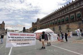 Ciudad de México, 8 de julio de 2020.- Integrantes del Movimiento de Trabajadores Socialistas, de Feministas y del Frente Popular Francisco Villa condenaron la política laboral y económica del presidente Andrés Manuel López Obrador, además de su visita a EU.