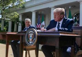 Washington, EEUU., 8 de julio de 2020.- El presidente de México, Andrés Manuel López Obrador y el de Estados Unidos, Donald Trump, firmaron la Declaratoria Conjunta por la entrada en vigor del tratado comercial entre estos dos países y Canadá, el T-MEC.