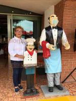 """Xalapa, Ver., 9 de julio de 2020.- """"Tenemos que ser extremos, porque se trata de que nos cuidemos todos"""", dice Laura Martínez, dueña de """"La Naolinqueña"""", restaurante ubicado en la Avenida Principal de Las Trancas, entre los límites de Xalapa y Emiliano Zapata."""