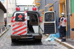 Xalapa, Ver., 9 de julio de 2020.- Se reporta deceso de un hombre en la calle Miguel Palacios, en la zona centro. Al sitio arribaron paramédicos de la Cruz Roja que confirmaron el fallecimiento.