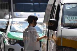 Xalapa, Ver., 10 de julio de 2020. Transporte Público dio a conocer que si los choferes de taxis o autobuses no portan cubrebocas ni tampoco exigen a usuarios usarlo, podrían retirarles la unidad.
