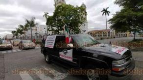 Córdoba, Ver., 11 de julio de 2020.- Aproximadamente 20 vehículos participaron en manifestación para exigir la renuncia del presidente Andrés Manuel López Obrador.
