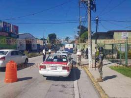 Coatepec, Ver., 12 de julio de 2020.- Personal de Tránsito del Estado implementó una campaña de sanitización en el municipio. En coordinación con Guardia Nacional y Policía Municipal se colocaron filtros en los accesos al municipio, tanto en la carretera a Xalapa y la que va hacia Xico.