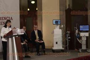 Ciudad de México, 14 de julio de 2020.- Ante el Presidente López Obrador, la directora del CONACYT, María Elena Álvarez-Buylla, presentó los modelos producidos con tecnología nacional, Gätsi y el modelo abierto creado por el Instituto Tecnológico de Massachusetts (MIT) para la atención de pacientes con COVID-19.