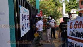 Medellín de Bravo, Ver., 16 de julio de 2020.- Extrabajadores del SAS luchan desde hace 4 años por sus derechos y han pedido reinstalación o una liquidación digna, ya que había algunos que llevaban más de 30 años trabajando. Piden intervención del Gobernador.