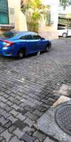 Xalapa, Ver., 6 de agosto de 2020.- Ciudadano da a conocer el atraco que sufrieron vecinos del fraccionamiento Villa Rubí, cerca de la SEV, la madrugada de este jueves, pues a algunos vehículos les hurtaron las llantas.