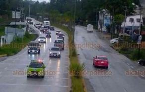 """Xalapa, Ver., 6 de agosto de 2020.- Tránsito Estatal activó el operativo """"Carrusel"""" en ambos sentidos de la carretera Xalapa-Coatepec, luego de la lluvia de este jueves."""