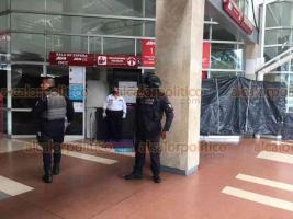 Veracruz, Ver., 7 de agosto de 2020.- Mujer murió este viernes en la sala de espera de la terminal de autobuses ADO. El lugar fue acordonado por autoridades y personal ministerial llevó a cabo diligencias del caso.