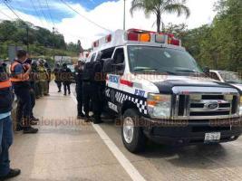 Coatepec, Ver., 7 de agosto de 2020.- Pese a las obras de rehabilitación y operativos de Tránsito, siguen los accidentes en la carretera Xalapa-Coatepec. La tarde de este viernes de lluvia, una patrulla volcó a la altura de Los Arenales.