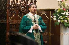 Xalapa, Ver., 9 de agosto de 2020.- Durante la misa de éste domingo el Arzobispo de Xalapa, Hipólito Reyes Larios, lamentó las muertes de sacerdotes debido a la pandemia causada por el virus SARS- CoV-2.
