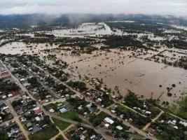 Jesús Carranza, Ver., 12 de agosto de 2020.- Aunque el río Coatzacoalcos no ha rebasado su nivel, la congregación Las Perlas registró inundación por encharcamiento tras la lluvia de más de 140 litros por metro cuadrado que cayó en las últimas horas en la región.