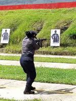 Emiliano Zapata, Ver., 13 de agosto de 2020.- Policías del IPAX asisten al Centro de Estudios e Investigación en Seguridad, donde instructores capacitados los adiestran en tiro, así como en uso y manejo de armas cortas y largas.