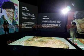 Ciudad de México, 15 de agosto de 2020.- En la explanada al Monumento a la Madre, tras meses de cierre, reabrió el Museo Van Gogh Alive, con un espectáculo multimedia de la vida y obra de Vicent Van Gogh. Con las medidas de la Nueva Normalidad, los visitantes disfrutan de las obras como La habitación de Vicent en Aries, Noche estrellada sobre el Ródano, entre otras.