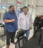Poza Rica, Ver., 17 de septiembre de 2020.-  El secretario de Seguridad Pública, Hugo Gutiérrez Maldonado, visitó las instalaciones del subcentro del C4SSPVer, el cual brinda atención y cobertura permanente a través de las líneas de emergencias 9-1-1 y 089.