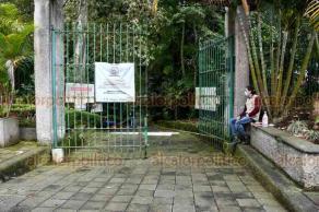 Xalapa, Ver., 18 de septiembre de 2020.- Luego de permanecer cerrados por varios meses para evitar aglomeraciones y prevenir contagios de COVID-19, este viernes parques, como el de Los Tecajetes, ya reabrieron al público.