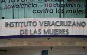 Xalapa, Ver., 18 de septiembre de 2020.- Este viernes, la fachada del Instituto Veracruzano de las Mujeres (IVM) fue vandalizada con manchas de pintura y algunas pintas. Al parecer esto ocurrió durante la madrugada. El organismo no se ha pronunciado al respecto.