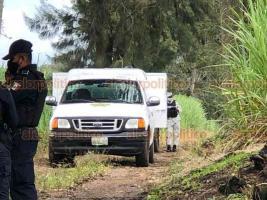 Coatepec, Ver., 18 de septiembre de 2020.- Cuerpo sin vida de un varón fue hallado en brecha ubicada al costado de la carretera que conduce a la congregación Las Trancas. Al sitio acudieron elementos de la Policía Estatal y Municipal, así como de la Fiscalía.