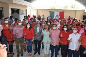 Orizaba, Ver., 19 de septiembre de 2020.- Karina Solís Herrera rindió protesta como nueva presidenta del PRI municipal; se contó con la presencia de Marlon Ramírez, dirigente estatal, quien hizo una gira de trabajo por la zona.