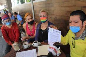 Xalapa, Ver., 24 de septiembre de 2020.- La Coalición LGBTTTIQ, informó que entre los acuerdos logrados con la FGE está la creación de un protocolo de atención a la comunidad y el acompañamiento a los familiares de las víctimas de crímenes de odio.