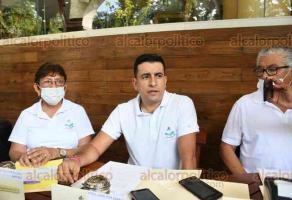 Xalapa, Ver., 25 de septiembre de 2020.- En conferencia de prensa, habitantes demandaron la pronta intervención de las autoridades ante la invasión por parte de organización campesina del predio Sierra Alta, que aseguran que es Área Natural Protegida de Coatepec.