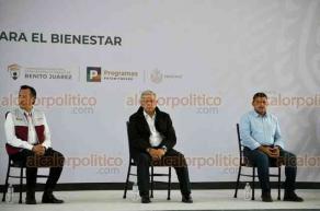 Xalapa, Ver., 26 de septiembre de 2020.- El presidente Andrés Manuel López Obrador se reúne para evaluar programas sociales del Bienestar en el Museo de Ciencia y Tecnología Kaná. Lo acompañan el gobernador Cuitláhuac García Jiménez y funcionarios federales.