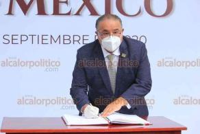 Xalapa, Ver., 28 de septiembre de 2020.- Alejandro Bonilla Bonilla, consejero presidente del OPLE, acompañado por demás consejeros, montó Guardia de Honor en el parque de Los Berros.