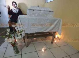Coatzacoalcos, Ver., 30 de septiembre de 2020.- La mujer a la que se le festejaba con baby shower y en el que varias personas fueron atropelladas, perdió este martes a su bebé. Ella resultó ilesa del percance.