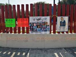 Ciudad de México, 1º de octubre de 2020.- Tras la posible desaparición de los fideicomisos, científicos del CINVESTAV y colectivos de desaparecidos protestan afuera de la Cámara de Diputados.