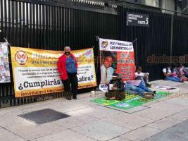 Ciudad de México, 19 de octubre de 2020.- Beneficiarios de diversos fideicomisos cercaron por 5 horas el Senado, bloqueando los accesos y dejando salir a los trabajadores hasta las 15:15 horas.
