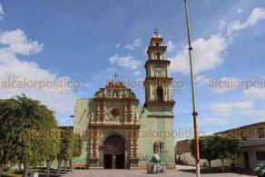 Maltrata, Ver., 20 de octubre de 2020.- El templo de San Pedro Apostol es del siglo XVII, consta de una nave con torre de 5 cuerpos y cúpula, su frontispicio es de estilo churrigueresco y en el sismo de 1973 se dañó y fue restaurado por el INAH. En breve iniciará su restauración.