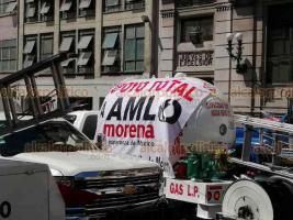 Ciudad de México, 21 de octubre de 2020.- Decenas de pipas transportadoras de gas del Valle de México se manifestaron en las calles cercanas a la Secretaría de Gobernación para rechazar la entrada de PEMEX al sector y exigir mejores condiciones de trabajo.