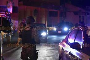 Veracruz, Ver., 22 de octubre de 2020.- Dos sujetos intentaron asaltar un Domino's Pizza de la Unidad Habitacional Las Brisas, en la zona norte de la ciudad, lesionado a un empleado, generando la movilización de las corporaciones de seguridad y paramédicos de la Cruz Roja.