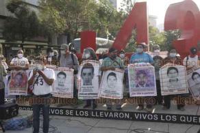 Ciudad de México, 26 de octubre de 2020.- A 73 meses de su desaparición forzada, los padres de los 43 normalistas de Ayotzinapa exigen su regreso.