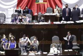 Ciudad de México, 27 de octubre de 2020.- La Comisión de Presupuesto presentó el dictamen de la Ley General de Salud en relación al fondo de salud por 33 mmdp. El PRD toma la tribuna y opositores protestan el dictamen.