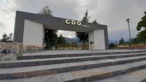 Orizaba, Ver., 28 de octubre de 2020.- En diciembre se podría inaugurar el Complejo Deportivo de Orizaba (CDO) Cerritos, en donde está el avión que fue donado a la ciudad.