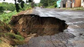 Veracruz, Ver., 29 de octubre de 2020.- Deslave en Lomas de Río Medio III abarca casi la mitad de la calle Zapopan, entre Chumpan y Papaloapan.