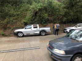 Xalapa, Ver., 29 de octubre de 2020.- Dos choques por alcance ocurrieron a la altura de Río Sordo, en la Xalapa-Coatepec. En la misma zona, también se suscitó el derrape de al menos 2 motocicletas. En ningún caso hubo lesionados.