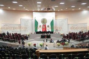 Xalapa, Ver., 24 de noviembre de 2020.- El secretario de Desarrollo Económico y Portuario, Enrique Nachón García, compareció en el Congreso local ante la Comisión del Corredor Interoceánico, Zonas Libres y Desarrollo Económico.