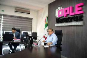 Xalapa, Ver., 26 de noviembre de 2020.- Este jueves, se llevó a cabo Sesión Extraordinaria Virtual del Consejo General del OPLE Veracruz a puerta cerrada, debido a la pandemia.