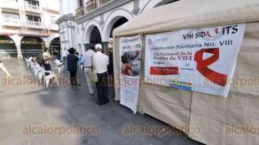 Veracruz, Ver., 27 de noviembre de 2020.- Este Día Nacional de la Prueba de VIH-Sida, se tendrán disponibles 800 pruebas rápidas y gratuitas para aplicarse en los bajos del Palacio Municipal. Según se informó, permanecería hasta las 15:00 horas. Los resultados sólo tardan entre 5 o 10 minutos.