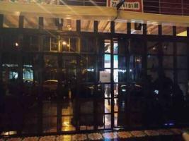 """Xalapa, Ver., 29 de noviembre de 2020.- Autoridades clausuraron este fin de semana el bar """"Senses"""", cerca del Paseo de Los Lagos; el restaurante-bar"""