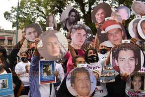 Xalapa, Ver., 3 de diciembre de 2020. Integrantes de colectivos Enlaces Xalapa y Buscando Desaparecidas y Desaparecidos de Veracruz se manifestaron en el parque Juárez. Acusan que las labores para dar con sus familiares ha sido lenta.