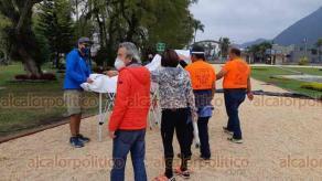 Orizaba, Ver., 3 de diciembre de 2020.- Participantes de la carrera Sky Ultra Pico MX saldrán de 15 en 15 con cubrebocas, pasando por un filtro sanitario que consiste en toma de temperatura, ser rociados con desinfectante de sales cuaternarias.