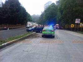 Xalapa, Ver., 16 de enero de 2021.- La mañana de este sábado, el conductor de un vehículo particular perdió el control sobre la carretera Xalapa-Coatepec, a la altura de Río Sordo. Terminó sobre el camellón sin que se reportaran personas lesionadas.