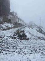 """Perote, Ver., 17 de enero de 2020.- La tarde de este domingo se registró la tercera nevada de la temporada en el Cofre de Perote y """"ahora con mayor cantidad de nieve"""", informó por redes la meteoróloga Jessica Luna."""