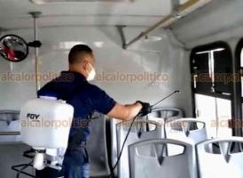 Medellín de Bravo, Ver., 18 de enero de 2021.- Asociación Civil se unió a lucha contra pandemia y desinfectó de manera gratuita 14 urbanos de la ruta Arboledas San Ramón, a fin de reducir contagios de Coronavirus entre usuarios del transporte público.